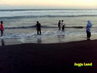 Suasana pantai depok