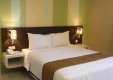 standart room hotel pose in jogja2