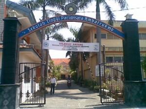 Sekolah Tinggi Ilmu Pariwisata Ambarukmo (AkPrAm) Yogyakarta Jogjaland.Net