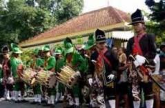 Upacara adat Jumedhulinng Maeso Suro