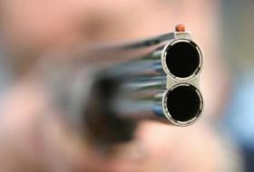 pistol-penembakan