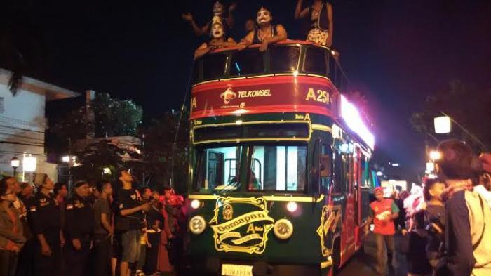 bus-tingkat-domapan