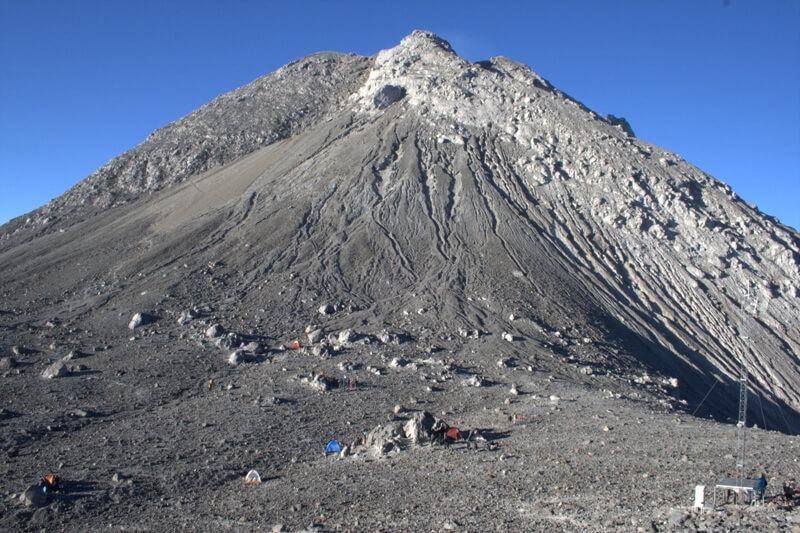 Eksotisme Jalur Pendakian Gunung Merapi