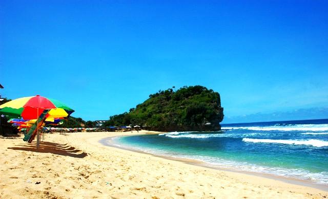 Pasir Putih di Pantai Indrayanti