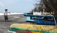 Permalink to Ombak Besar Hantam Kapal Nelayan Kulonprogo