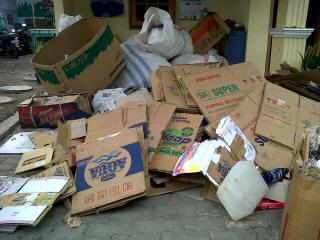 Permalink to Kepala Dusun Mengolah Sampah Warganya