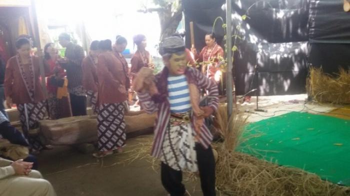 Permalink to Kampung Wisata Rejowinangun Gelar Prosesi Wiwit