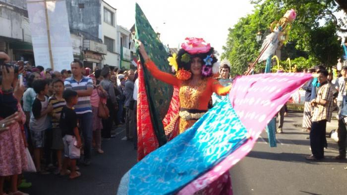 Permalink to Kemeriahan Karnaval Busana di Jogja Fashion Week